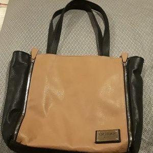 Guess purse.  Like new